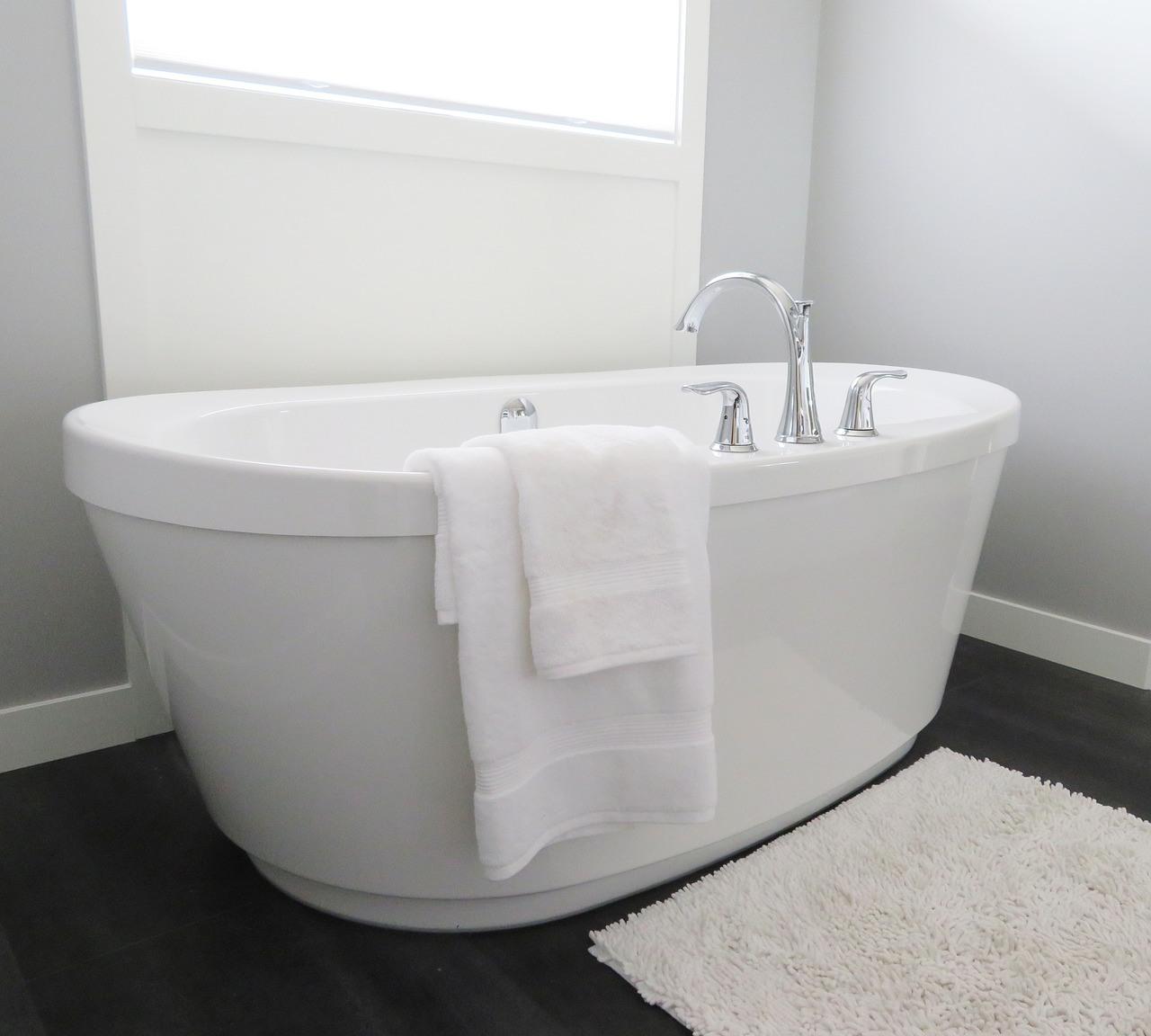 Få luksus tilbage i badeværelset med maling af badekar
